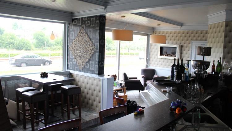 bar + zaal
